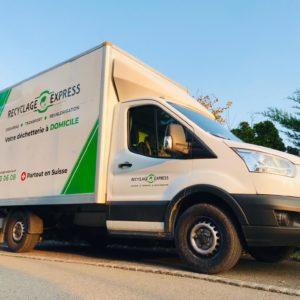 Camion Recyclage-Express lumière automnale